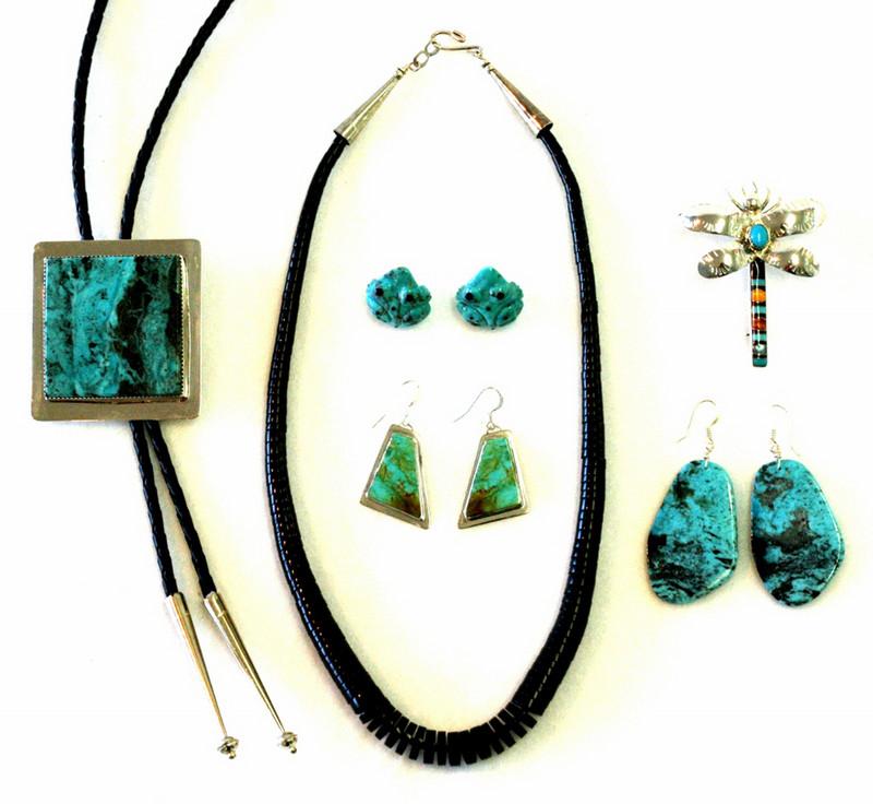 Jewelry la tierra mineral gallery taos new mexico for Turquoise jewelry taos new mexico