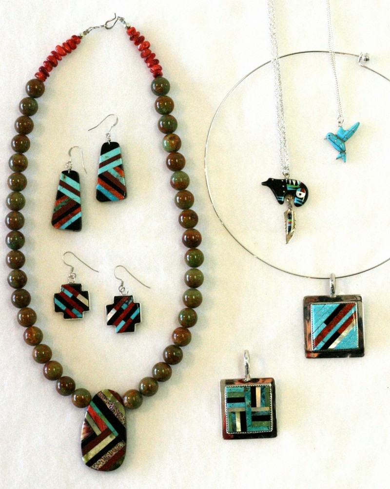 New mexico gallery la tierra mineral gallery taos new for Turquoise jewelry taos new mexico